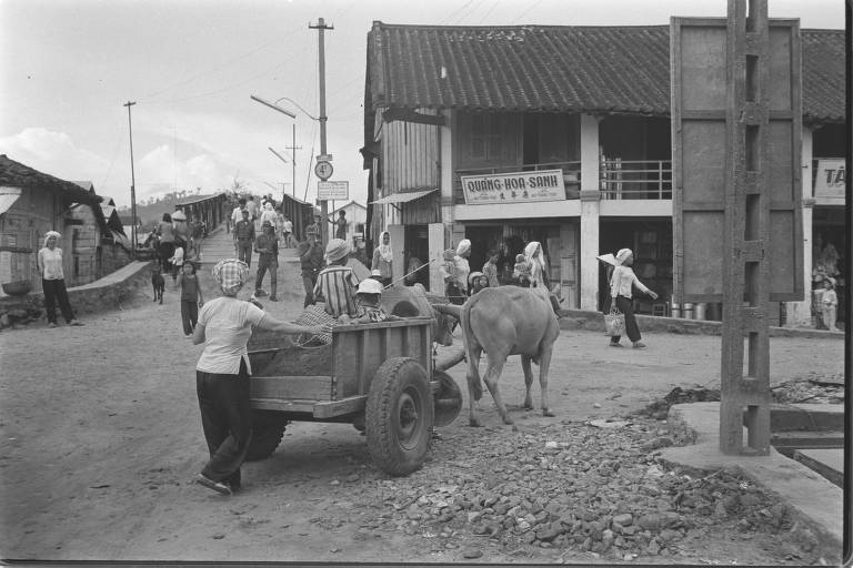 Street scene at Duong Dong.